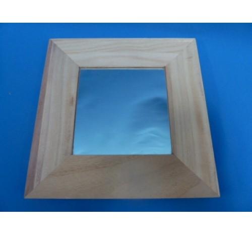 Spiegel vierkant met houten lijst for Houten spiegel
